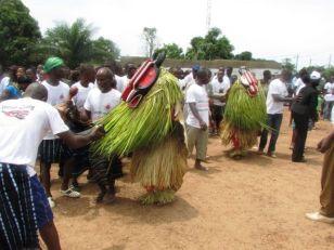 bouake-decouverte-avec-tripafrique-la-danse-du-goli-source-laguneinfonet-1